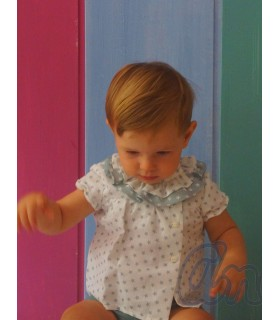 Conjunto para bebé niño de camisa y short en marfil con estrellas y short en verde de ANCAR