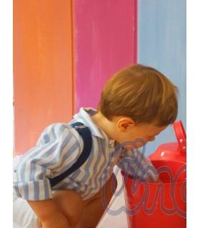 Conjunto para bebé niño  de camisa y pantalón con tirantes, en blanco y azul añil, de ANCAR