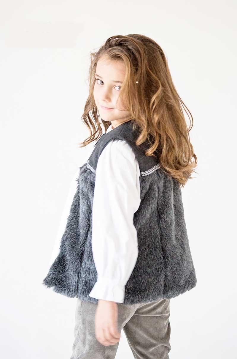 f1e0ea279 CHALECO GRIS NIÑA NUECES KIDS. Ropa de abrigo para niñas online